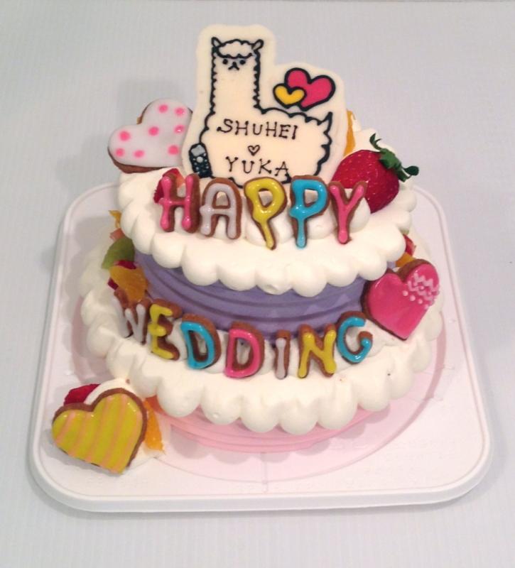 6号と4号を組み合わせた2段ケーキ!チョコプレートでキャラクター、上下で色を変えて可愛らしく、オプション♡クッキーを付けました。