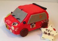 お気に入りの車を立体ケーキに!全体の写真を頂ければ、ナンバーなど細部までできるかぎり細かくお作り致します!!
